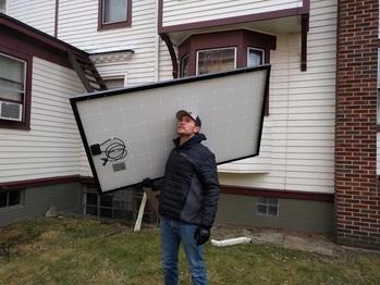 Unloading the panels