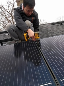 Mounting the solar panels