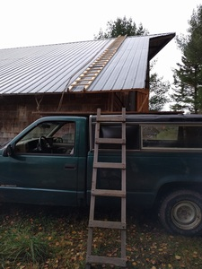 A creative ladder to get to the roof